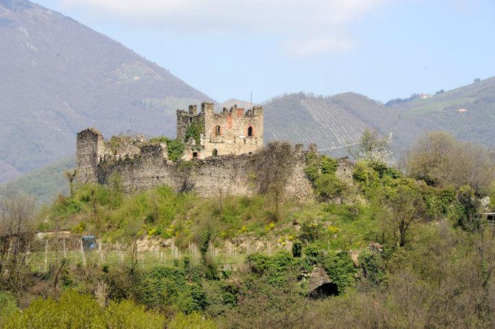 Castello-Lantieri-paratico-min-1-min